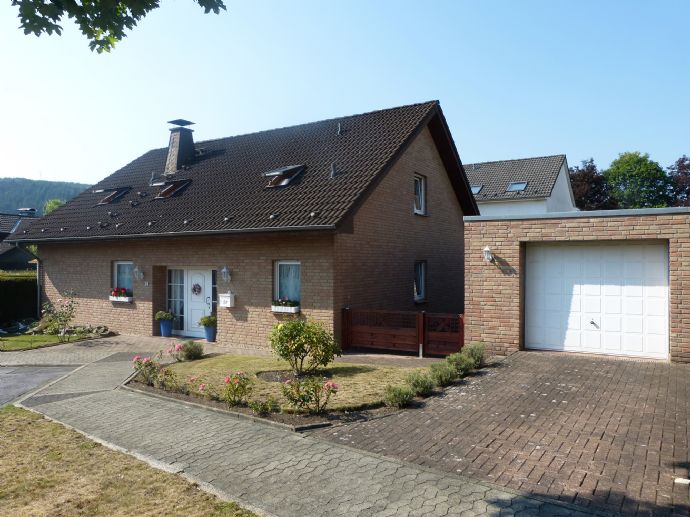 Gut ausgestattetes Einfamilienhaus in bevorzugter Wohnlage von Herscheid-Hüinghausen!