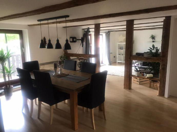 Wunderschöne 4-Zimmer-Wohnung mit großem Balkon