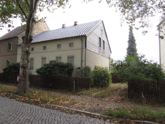 geräumiges Wohnhaus mit viel Nebengebäude und Grund in Ruhland