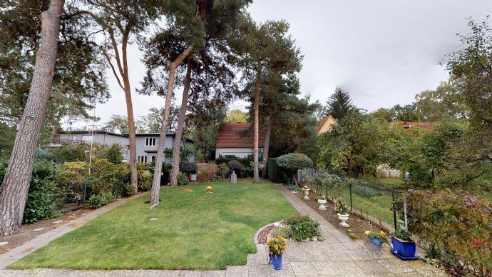 Schönes Einfamilienhaus in ruhiger Lage in der Waldsiedlung Hakenfelde in Spandau im Alleinauftrag!