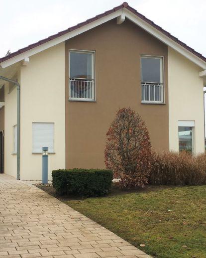 Gepflegtes Einfamilienhaus mit Einliegerwohnung u.Doppelgarage