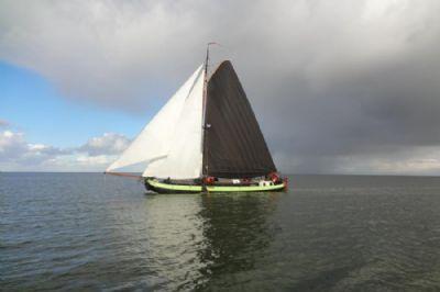 """Unterkunft auf traditionellem Segelschiff """"Overwinning"""" im Wattenmeer und in Amsterdam"""
