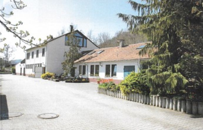 Idyllische Tierklinik mit kombinierten Wohnen in Rottenburg am Neckar