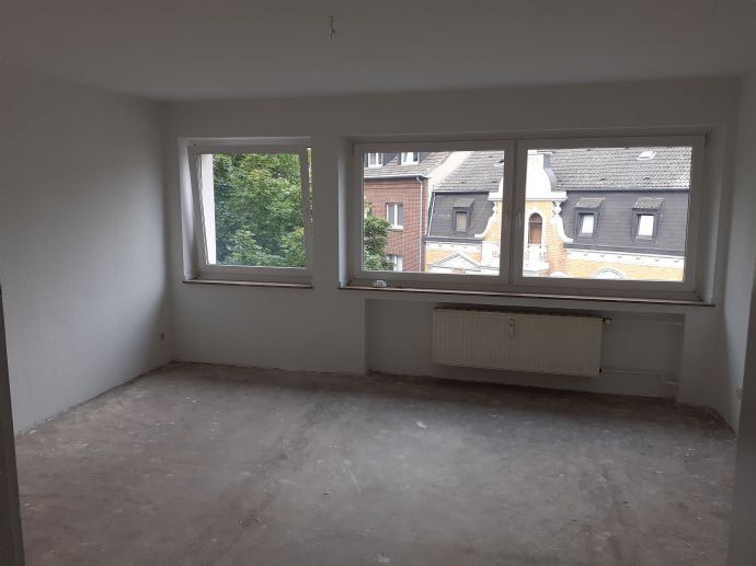 Schöne 3-Zimmer-Wohnung -  renoviert -  in zentraler Lage - Mönchengladbach-Odenkirchen mit Garage