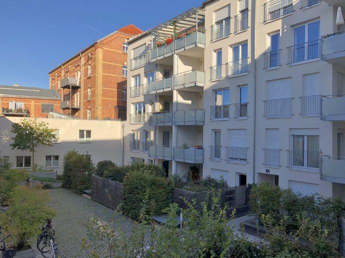 Apartement mit West-Loggia, Altstadt, 1 Zimmer, 40 m², TG, Lift, grüner Innenhof, EBK, Superausstatt