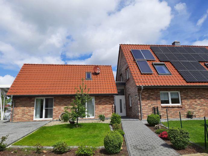 Schönes geräumiges Einfamilienhaus mit Terrasse