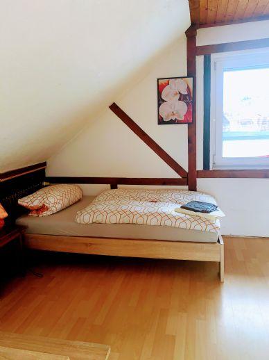 4-Zimmer-Monteurwohnung mit Terrasse.