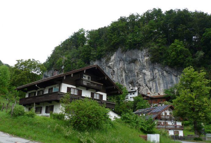 Schönes Hanggrundstück für 6-Fam. Haus ca. 1.000 m² - ideal für Bauträger