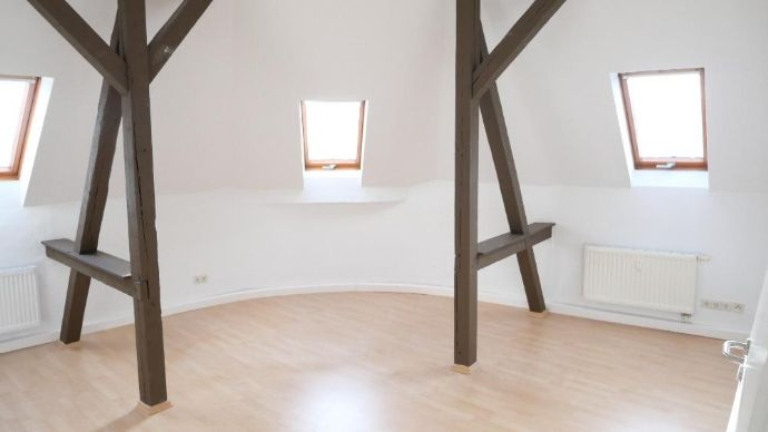 Erstbezug nach Sanierung! Tolle 7-Raum-DG-Wohnung mit Balkon in Chemnitz-Kappel