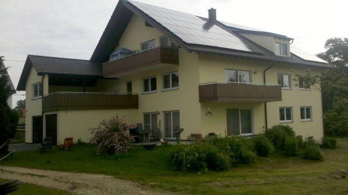 Geräumige 5 Zimmer-Wohnung in der 1. Etage mit Balkon und Terasse/ Loggia im Ortskern von Unterkirc