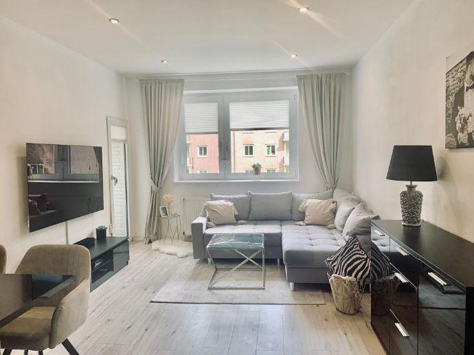 Wunderschöne 3 Zimmerwohnung Teilmöbliert mit EBK, Balkon, Keller, Stellplatz uvm...