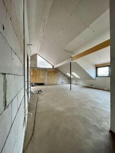 Dachgeschoss mit großer Südloggia und Steigerwaldblick! ..mit dem Aufzug direkt in die Wohnung! Sanierungs-AfA - Brühlervorstadt! individuell, modern