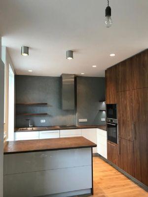 Exklusive, sanierte 3-Zimmer-Altbau-Wohnung (96qm) mit 2 Balkonen und Einbauküche in Stuttgart-Mitte