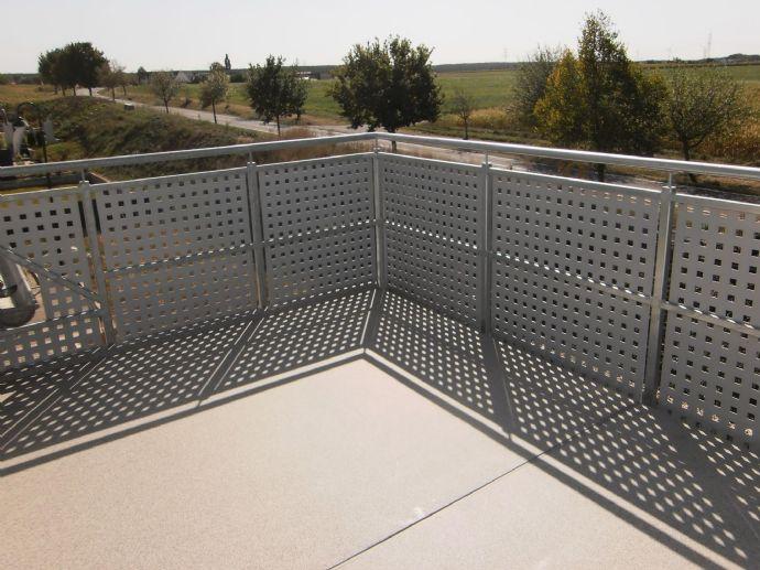 Tolle 2 1/2 Zimmer Wohnung mit Balkon - energiesparend durch KFW 40 Standard
