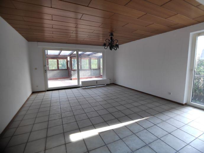 Gepflegte 3-Zimmer-Wohnung mit Wintergarten in Duisburg Obermeiderich zu vermieten