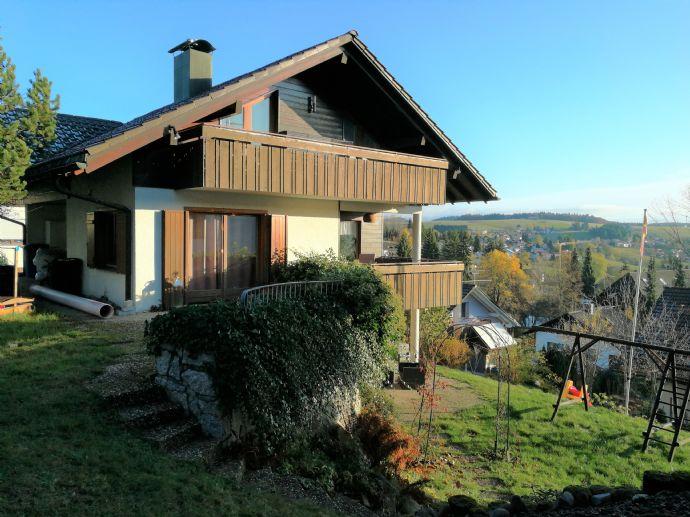 Behagliches, freistehendes Einfamilienhaus mit Garten und Carport in Herrischried