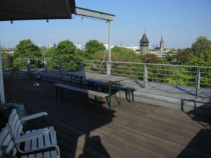 Wohnen und arbeiten mit Blick und Comfort über die Dächer von Köln