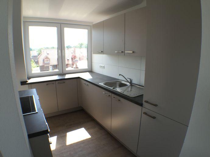 Helle/moderne 3-Zimmerwohnung im Zentrum Hittfelds