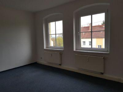 ohne Prov: helle 3-Raum-Wohnung incl. Stellplatz am Haus, große Küche, Bad mit Fenster, Wanne und Dusche / auch ALGI/II möglich
