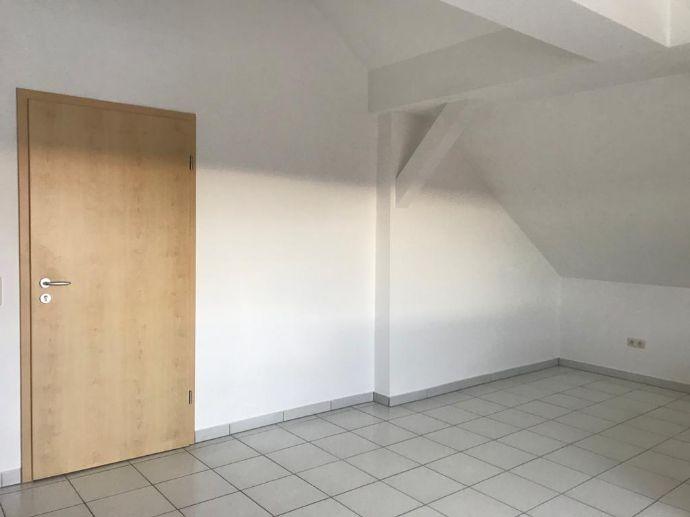 1,5-Zimmer-Dachgeschoss-Wohnung Großenseebach
