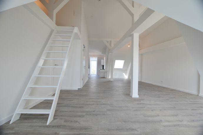 Mitten im Schanzenviertel Loft-Dachgeschosswohnung mit