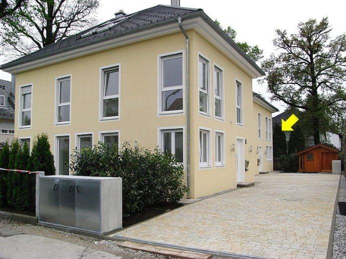Elegantes Einfamilienhaus in München / SOLLN, 6 Zimmer, 182 m² Wfl.+78 m² Nfl., Garage und 2 Außenstellplätze