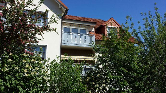 Schöne 3 bis 4 Zimmer Dachgeschoßwohnung