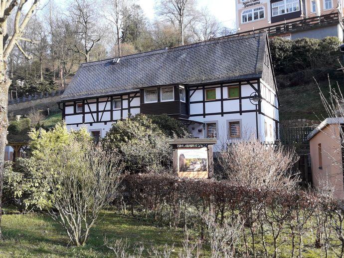 Kleinod in Rathen - saniertes Zweifamilienhaus nahe der Kletterfelsen!