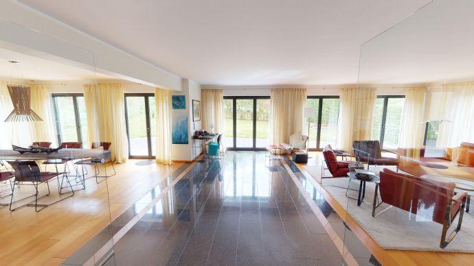 BESONDERS! Ab 1.280 mtl. Rate! Freistehendes Architektenhaus mit Büro-/Einliegermöglichkeit!