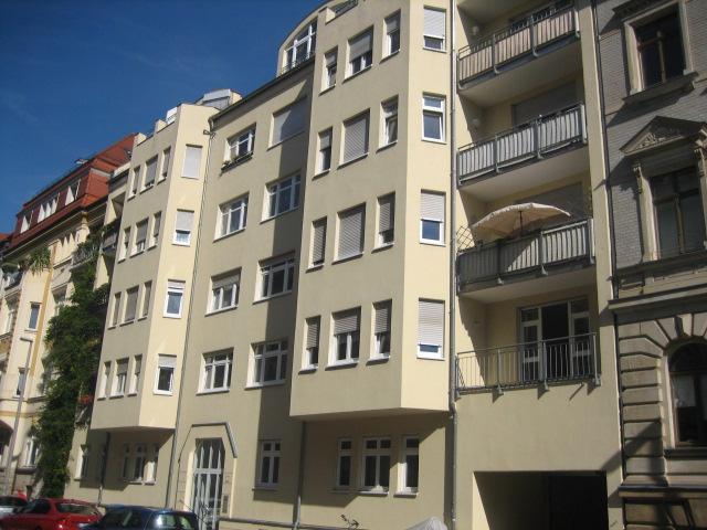 ++2 Zi.-Wohnen mit Terrasse-TG-Neubau-Eigenrenovierung mit Mieterlass++