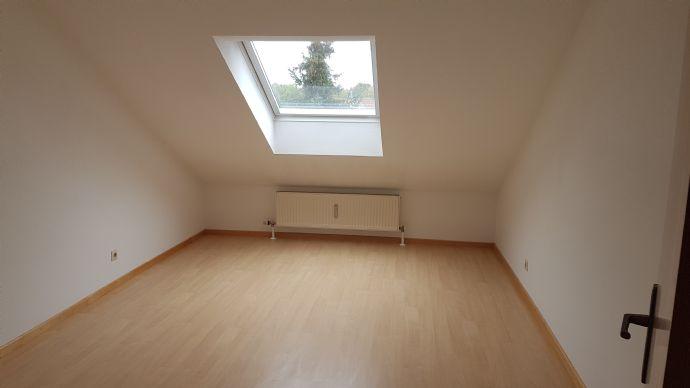 Wohnung mit Balkon DG ruhige Lage