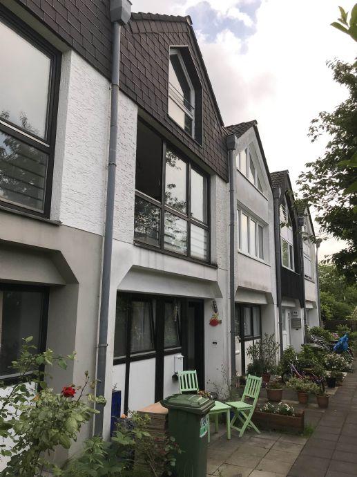 BAD GODESBERG / RÜNGSDORF: Gepflegtes Reihenmittelhaus in guter Lage