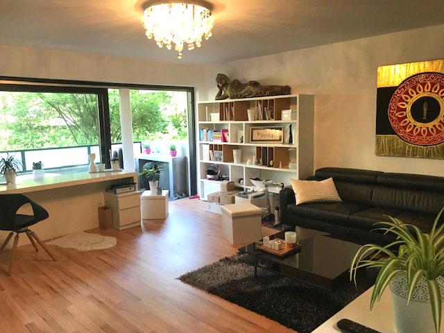 Komplett möblierte 1-1/2-Zimmer-Wohnung mit schönem Balkon in ruhiger Lage