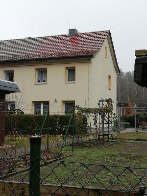 Reserviert - Sehr gepflegte, massive und komplett unterkellerte Doppelhaushälfte in Schleife