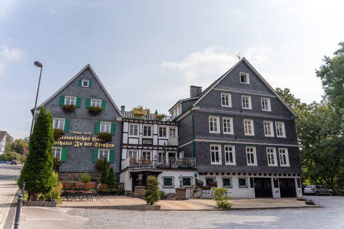 möblierte Zimmer mit eigenem Bad in Solingen Burg