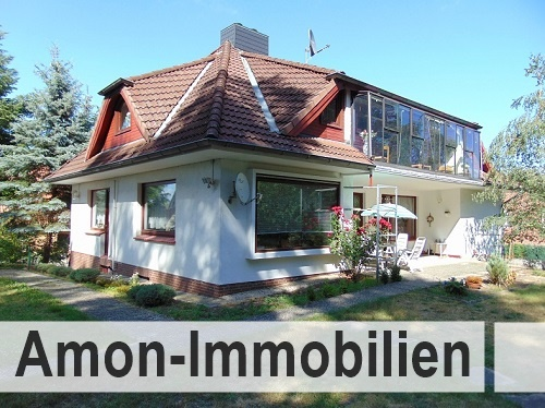 Großzügiges Wohnhaus mit Einliegerwohnung und formschönem Walmdach in guter Lage von Hankensbüttel