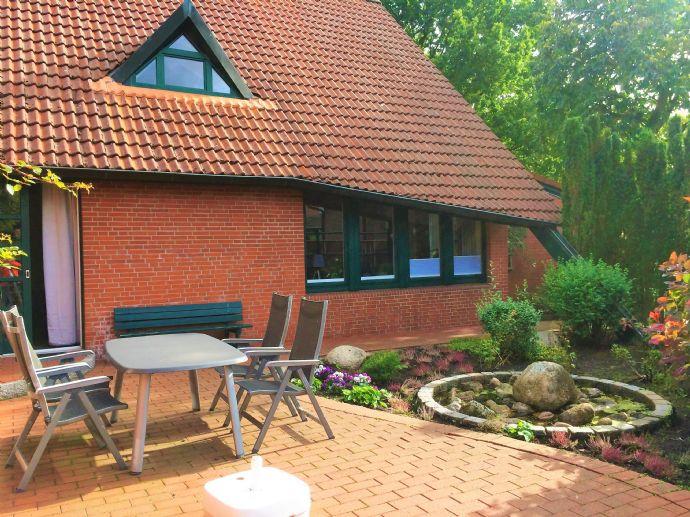 Grosses EFH vom Architeken entworfen mit separatem Eingang für Büro/Praxis/Beratung