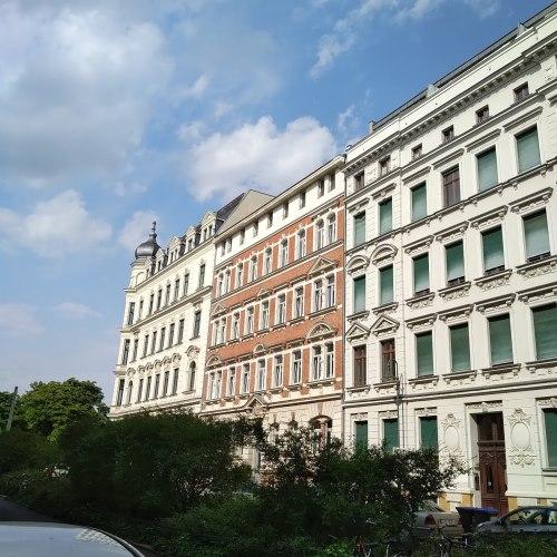Helle 3Raumdachgeschosswohnung am Zoo und Rosenthal- 5min zu Fuß in die City