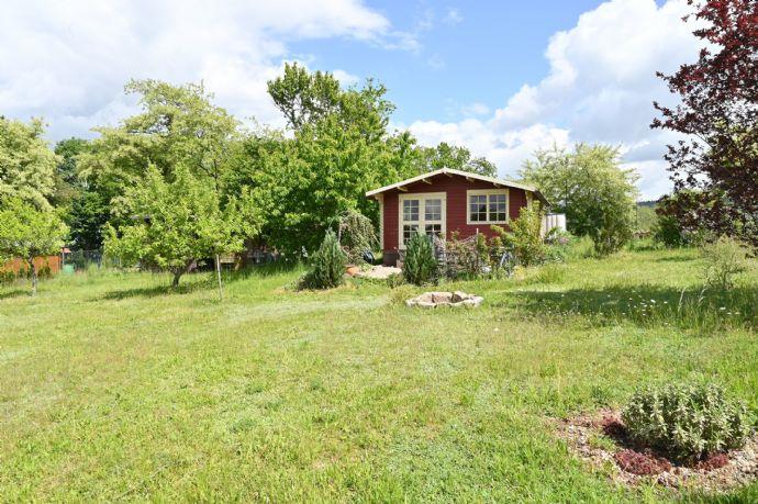 Wunderschönes Gartengrundstück mit Häuschen in Weiden-Ost, mit schönem Weitblick, einmalige Gelegenheit!