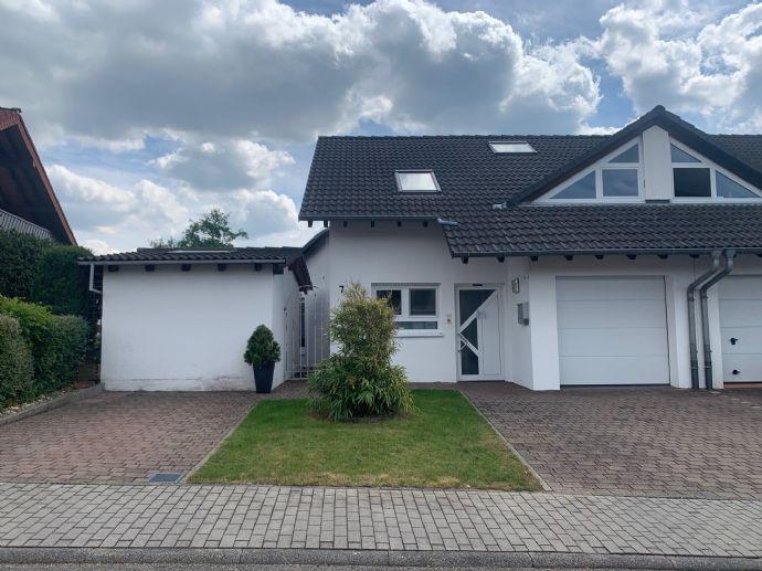Doppelhaushälfte zum Verlieben! Hier in Sinsheim!