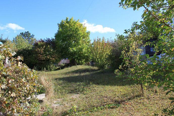 Baugrundstück Oberweilersbach 424 m² teilerschlossen, Zufahrt über Privatstraße, derzeit als Garten genutzt