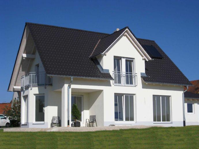 Einfamilienhaus Neubau in Postbauer- Heng in schöner Ortsrandlage