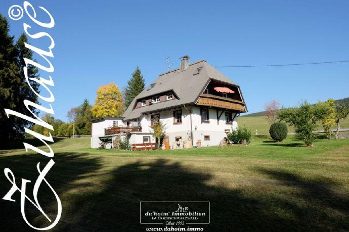 **RESERVIERT** Modernisiertes Zweifamilienhaus in Breitnau