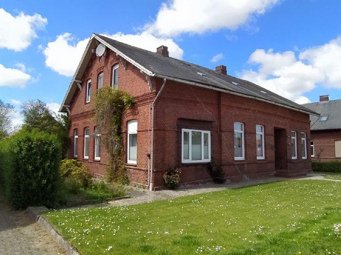 1-2 Familienhaus in idyllischer Lage in Ihlienworth