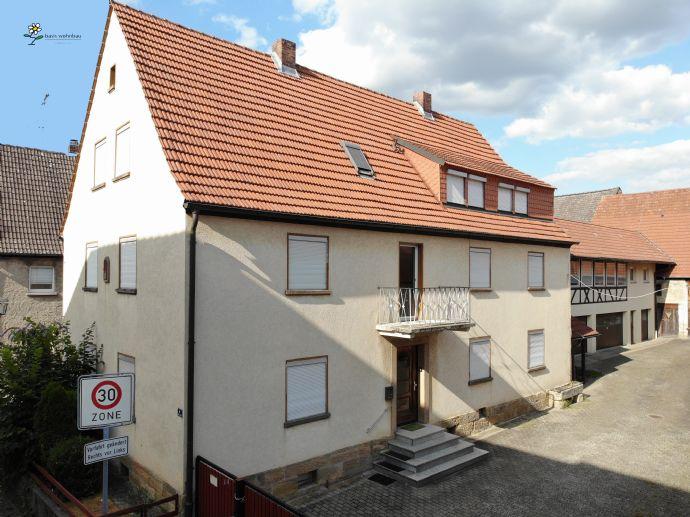 3-Familien-Wohnhaus mit Nebengebäude und Scheune