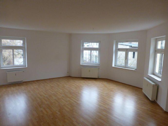 105 qm 3 Raum Wohnungen in der Nähe vom Stadtzentrum Zeitz neu Saniert
