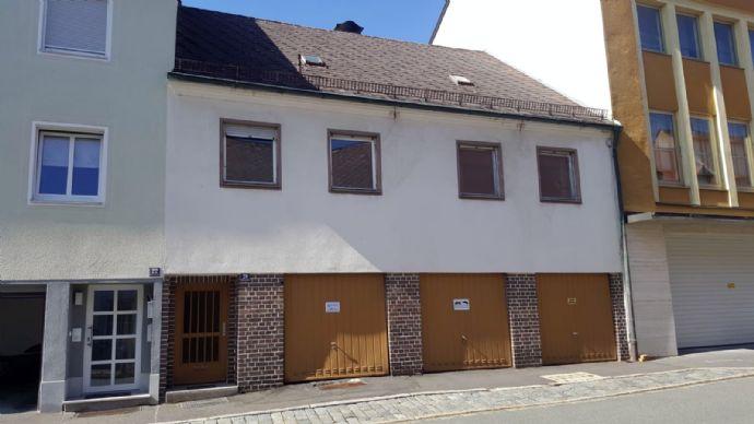 Reihenmittelhaus mit Garagen