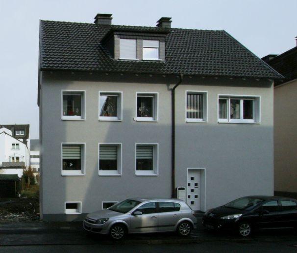 Topmoderne Wohnung in gepfl. Wohneinheit, 76 qm, EG, 3 Zi, Küche, Diele, Bad, Gäste-WC, Balkon u. Ke