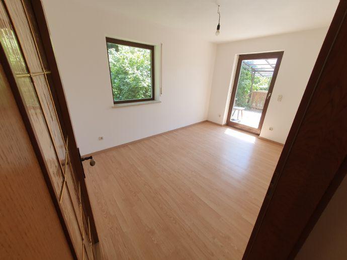 Familien- und WG-geeignete 4 5-Zimmer-Wohnung