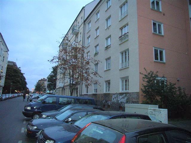 - Wohnen Nähe Alex/ Neubauwohnung mit Wannenbad -